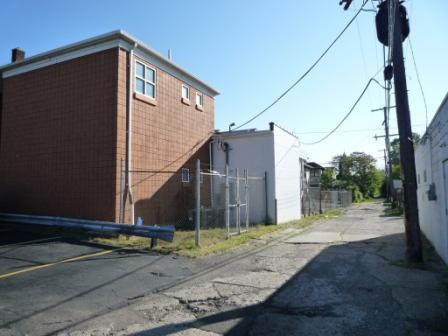 Name:  rear of Hitsville.JPG Views: 1179 Size:  40.6 KB