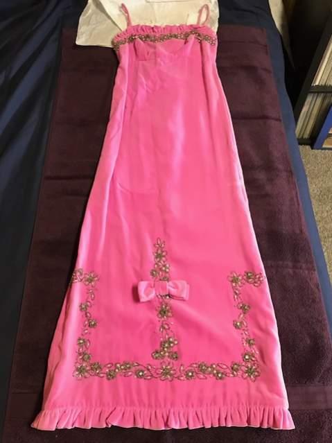 Name:  Dress.jpg Views: 214 Size:  30.7 KB