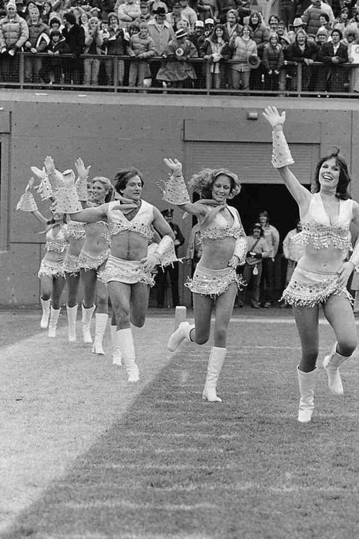 Name:  Robin Williams cheerleader.jpg Views: 25 Size:  94.2 KB